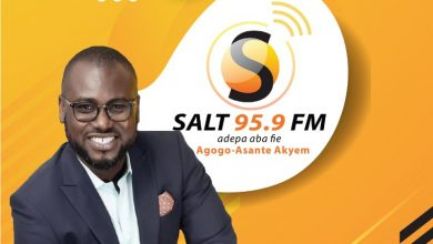 Photo of Abeiku Santana heads to Salt 95.9 FM launch at Agogo in 2020