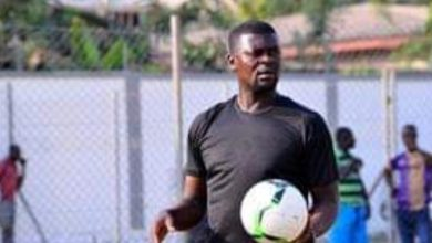 Photo of Medeama coach Samuel Boadu collapses during Ashgold game