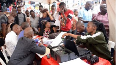 Photo of Over 9.8 million voters captured after 20 days of mass registration exercise