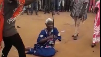 Photo of 90-year-old woman accused of witchcraft lynched at Kafaba near Salaga