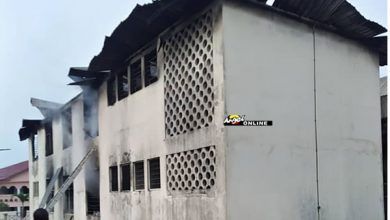 Photo of Photo: Fire guts Electoral Commission's office in Accra