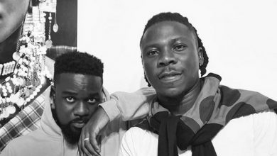 Photo of Stonebwoy apologizes to Sarkodie's manager; explains what actually happened