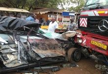 Photo of C/R: Two severely injured as truck runs into traders