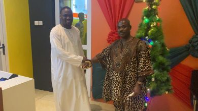 Photo of Agogo Akyempemhene throws support behind Salt FM Boss, Ohene Kwame Frimpong