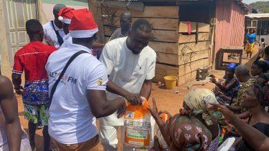 Photo of Photos: Salt Media GH, Ohene Kwame Frimpong donates to widows