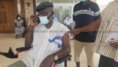 Photo of Photos: Kufuor, Otumfuo, other state officials take COVID-19 vaccine