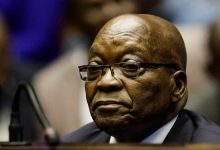 Photo of Jacob Zuma reports to police, begins jail term