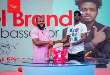 Photo of Itel signs Kuami Eugene as their brand ambassador for the third time